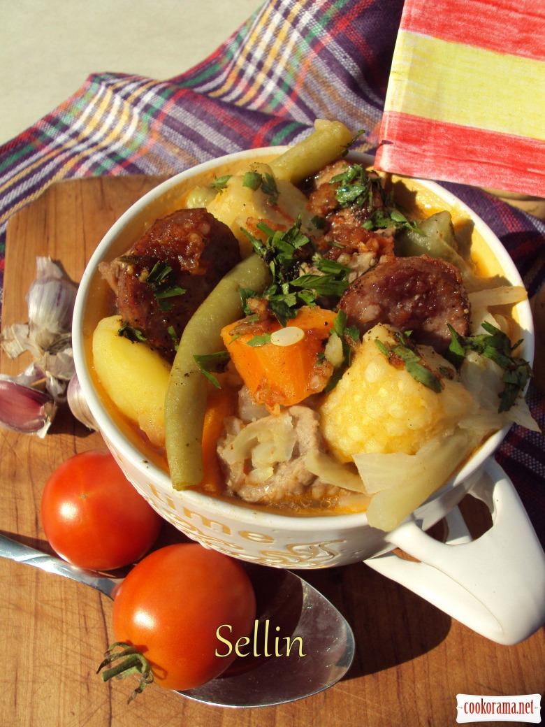 Пучеро канаріо - густий іспанський суп