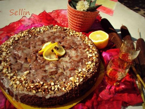 Яблучний ромовий пиріг (Pastel de manzana con ron)