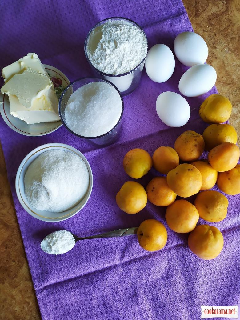 Пирог с абрикосом