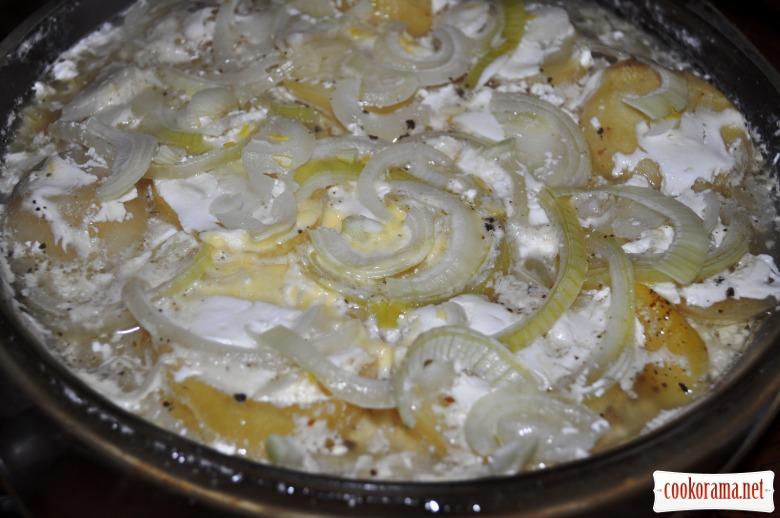 Картопля запечена у мікрохвильовці