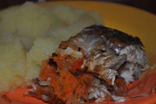 Скумбрія з овочевою начинкою