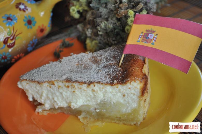 Іспанський сирник з яблуками і родзинками