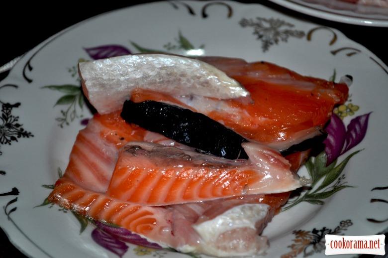 Юшка з червоною рибою