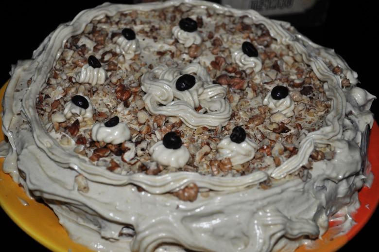 Горіховий торт з кавовим кремом