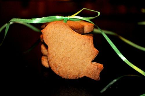 Brittle cookies on lard