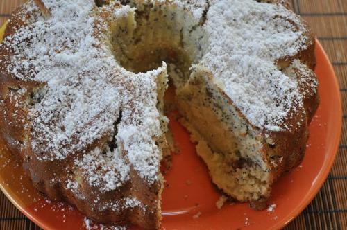 Маково-родзинковий кекс на кефірі