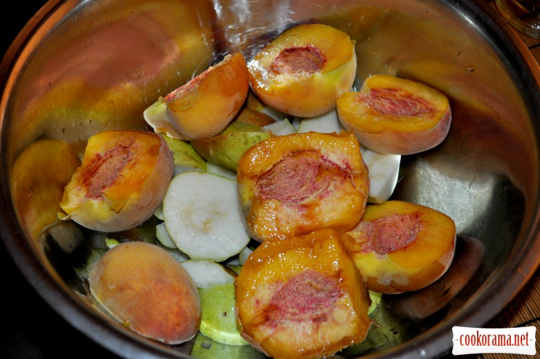 Персиково-грушеве варення