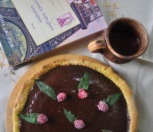 Тарт з малиною і шоколадом