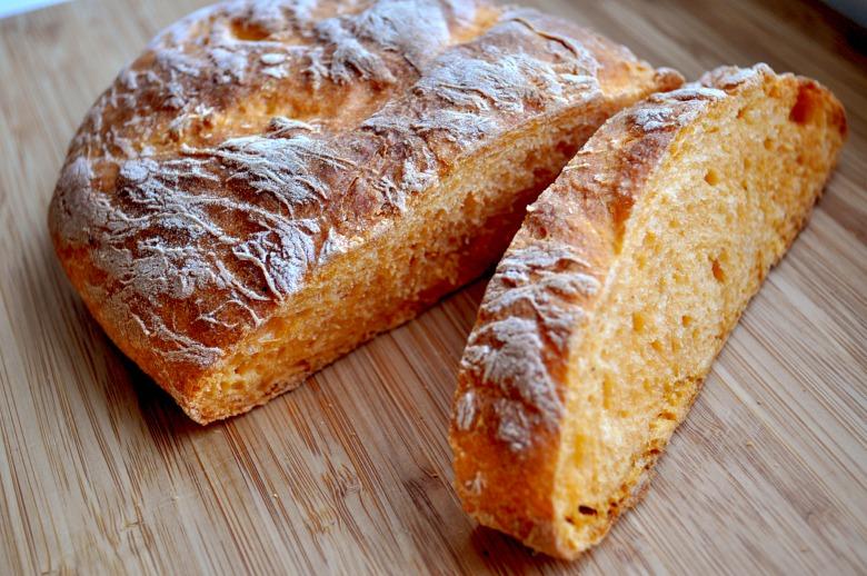 Томатний хліб