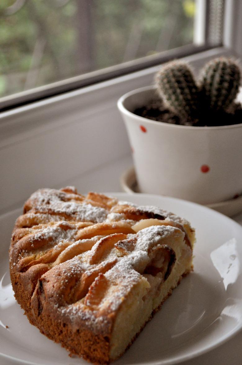 Масляний пиріг з яблуками
