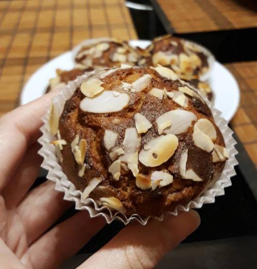 Мафіни без глютену з кокосовим борошном та малиною