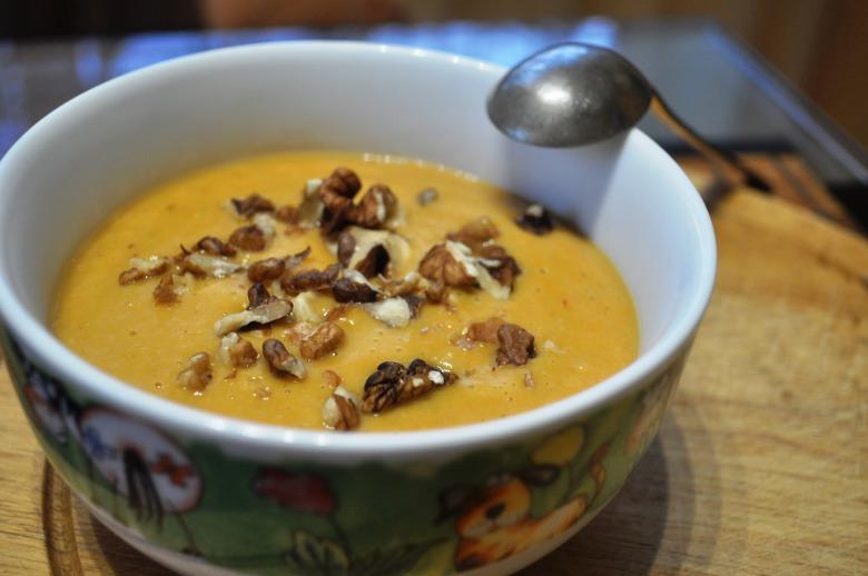 Суп-пюре з гарбуза і сочевиці