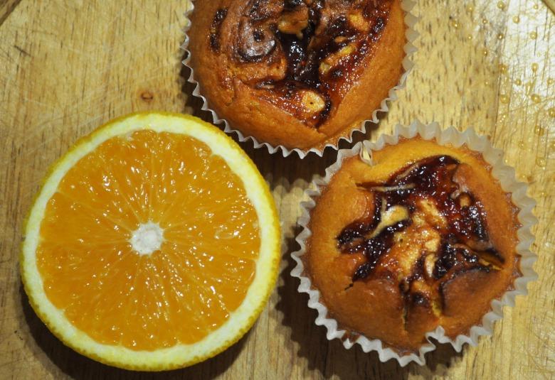 Апельсиново-гарбузові мафіни зі сливовим повидлом