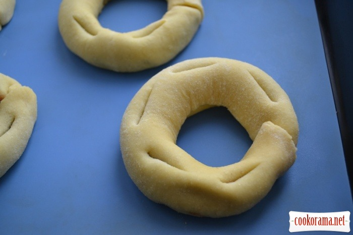 Qaghaq tal-ghasel - Honey rings