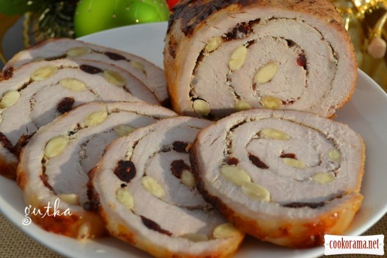 Свина корейка з мигдалем та журавлиною