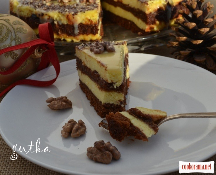 Різдвяний торт з сирним кремом та сливовим варенням