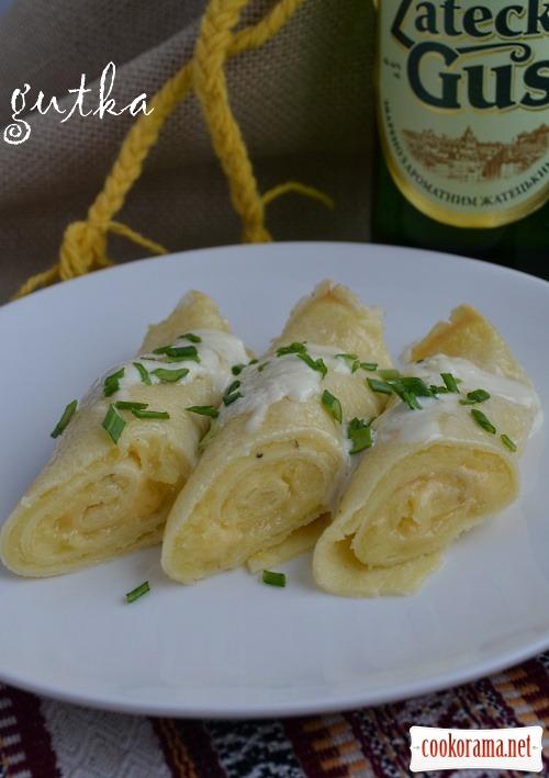 Млинці на пиві з картоплею та сиром