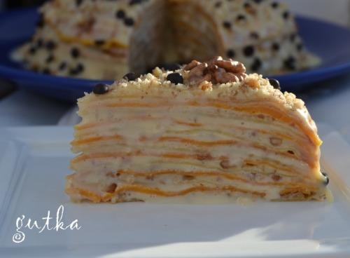 Млинцевий тортик зі згущеним молоком та грецькими горіхами