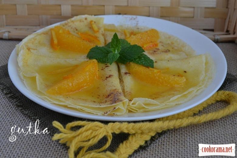 Млинці з апельсиновою карамеллю та корицею