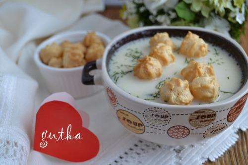 Сирний суп з горошком із заварного тіста