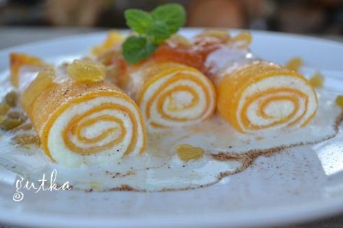Млинці гарбузові з сиром та яблучно-гарбузовим соусом