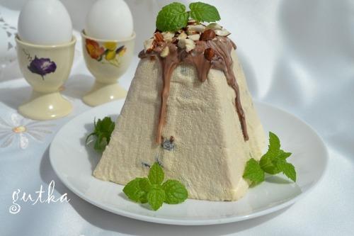 Easter cake from ryazhenka
