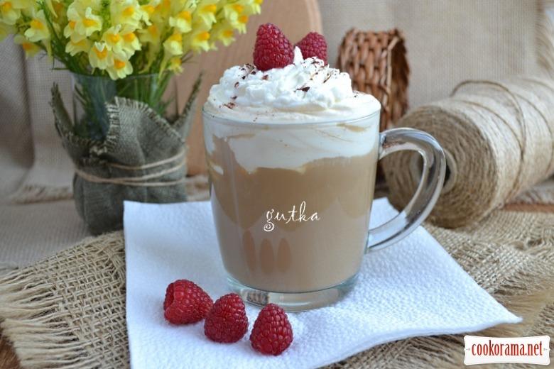 Кава з льодом та вершками