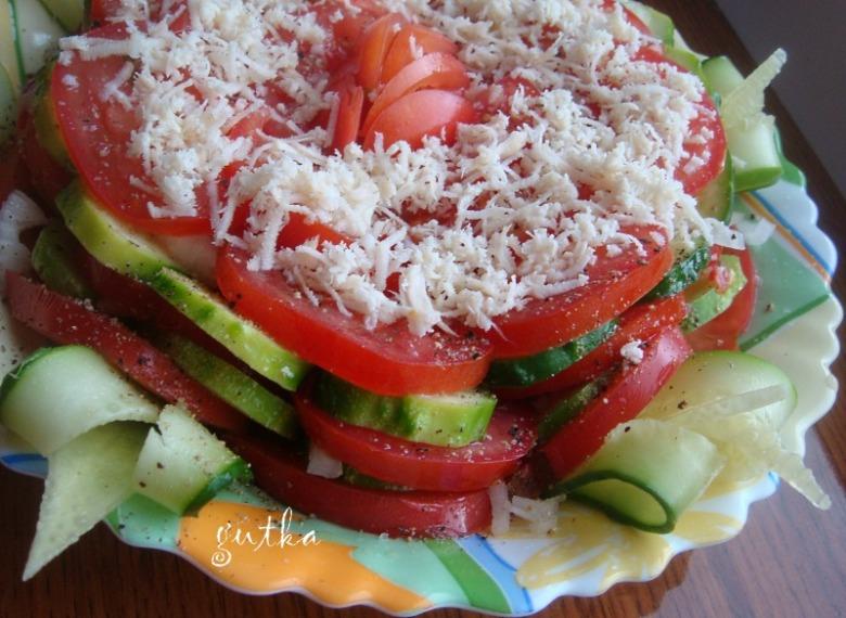 Салат овочевий на іспанський лад