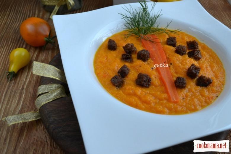 Крем-суп з моркви з житніми грінками