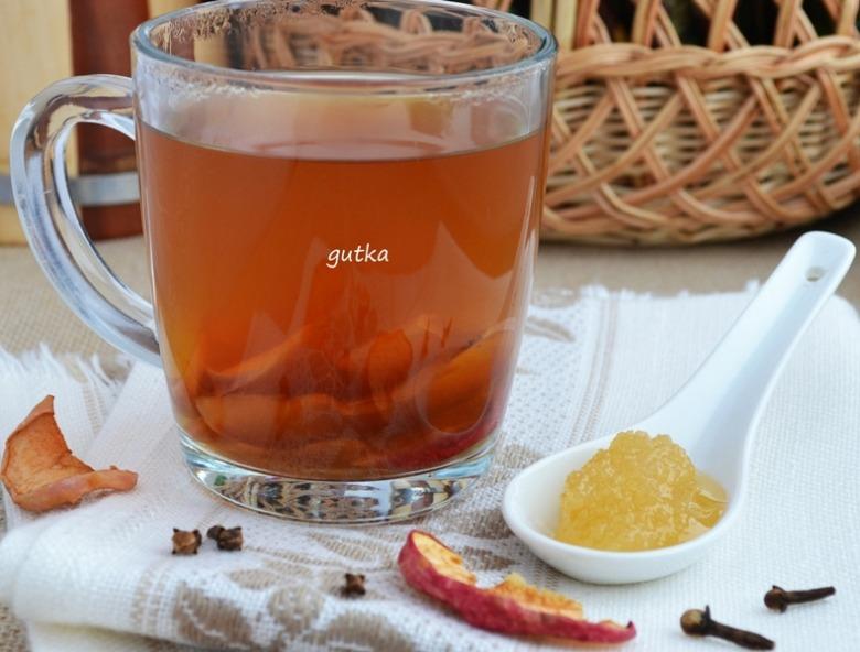 Пряний чай із сушеними яблуками