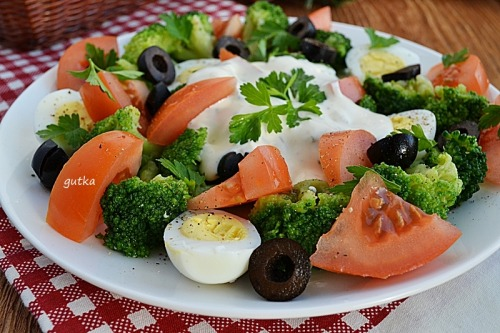 Салат яскравий з броколі