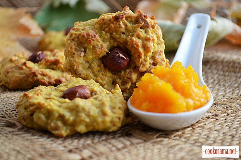 Oatmeal cookie with pumpkin puree