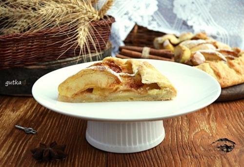 Відкритий яблучний пиріг
