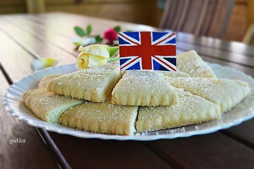 Шортбред (традиційне шотландське пісочне печиво)