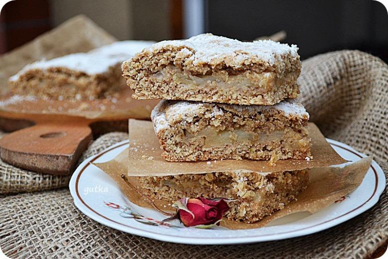 Яблучно-вівсяний пиріг