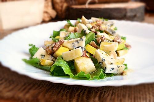 Салат з груші та сиру