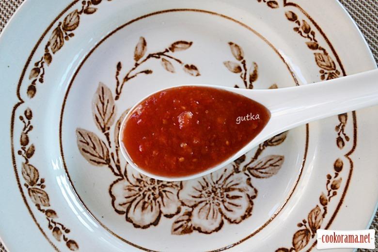 Томатний соус гострий