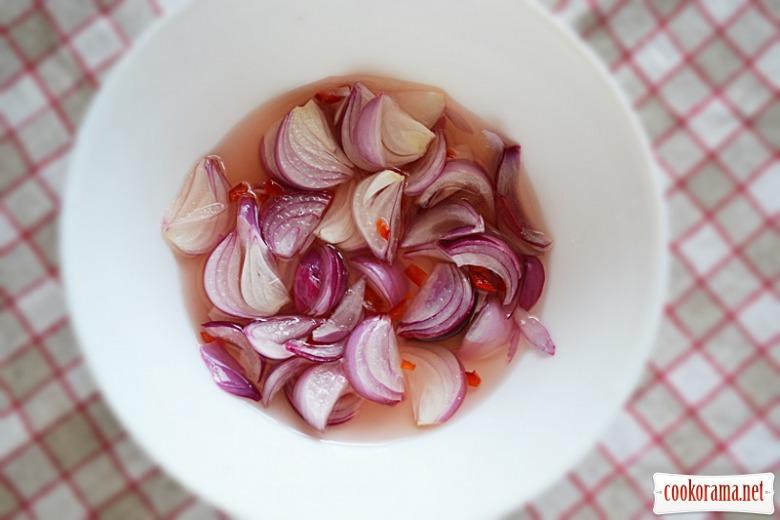 Салат з гарбузом, фетою та виноградом