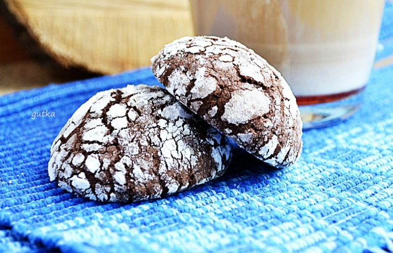 Шоколадне печиво з тріщинками