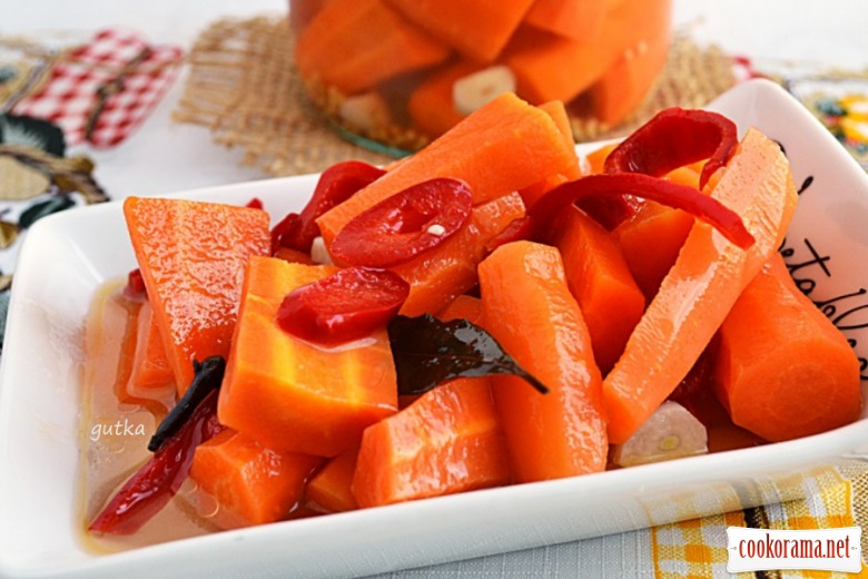Пряна маринована морква