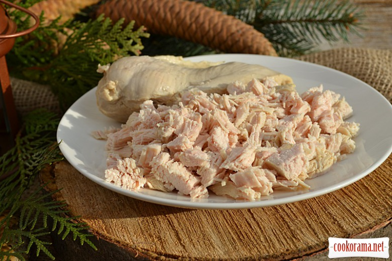 Салат з куркою та зернами граната