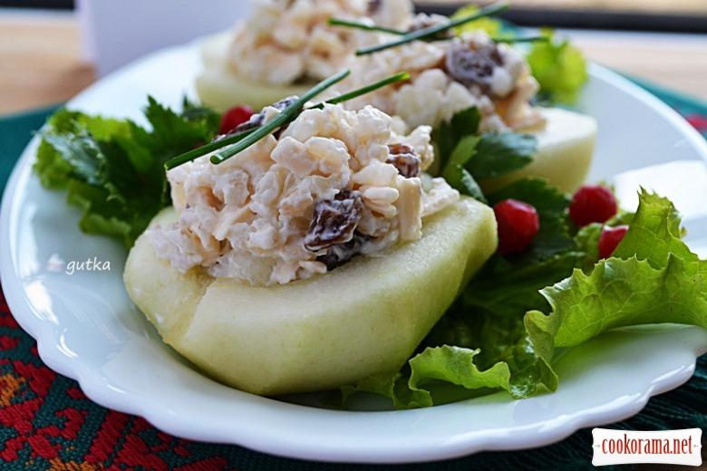 Салат з бурим рисом та грушею