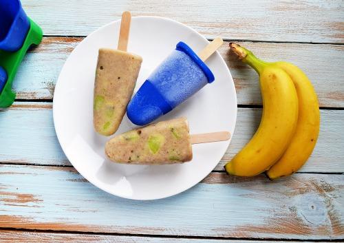 Бананове морозиво зі шматочками ківі