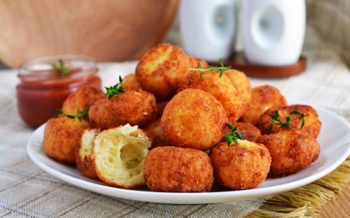 Ароматные сырные мини-пончики (не сладкие)