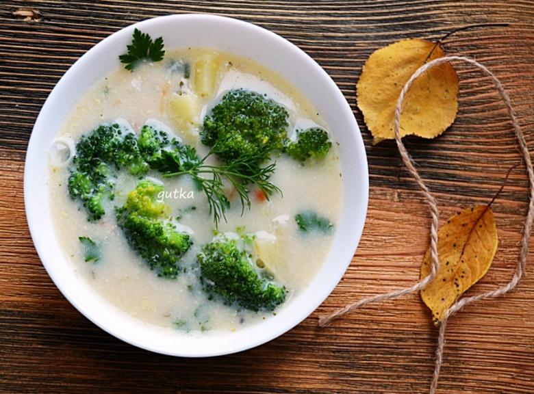 Суп з броколі
