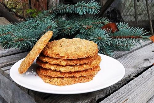 Хрустке вівсяне печиво з корицею