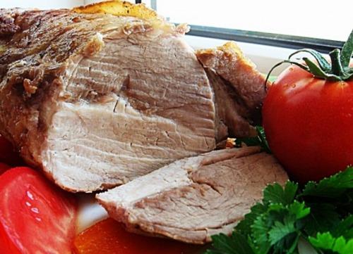 Святкова печеня зі свинини