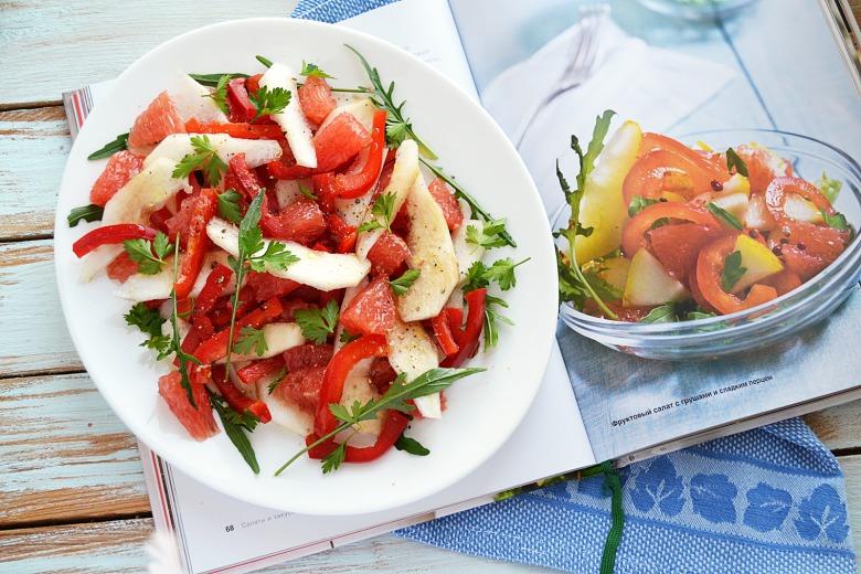 Фруктовий салат з грушами та солодким перцем