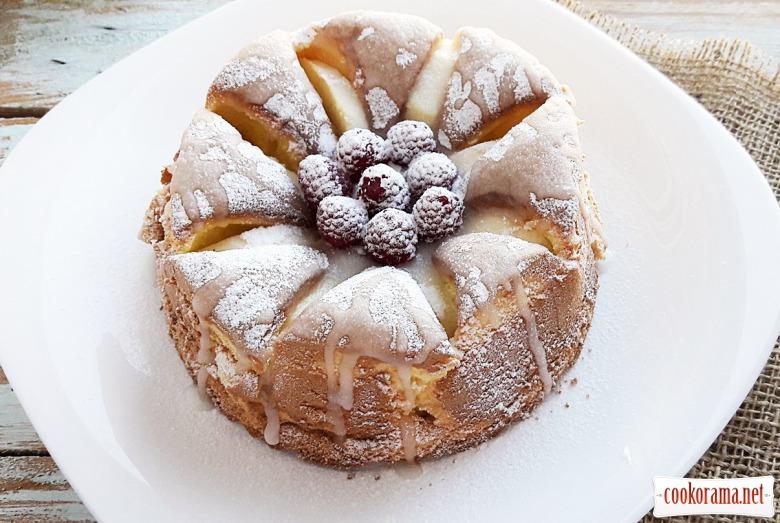 Повітряний тортик з яблуками
