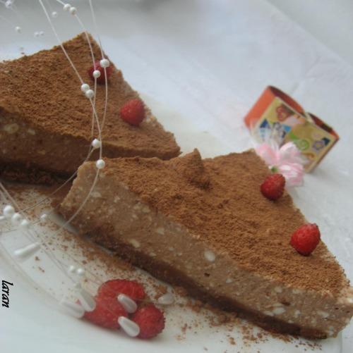 Легкий шоколадно-сирний торт